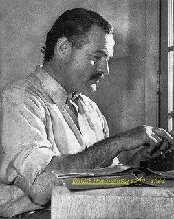 Στο γραφείο του - Ernest Hemingway